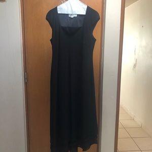 Dresses & Skirts - Formal and elegant dress